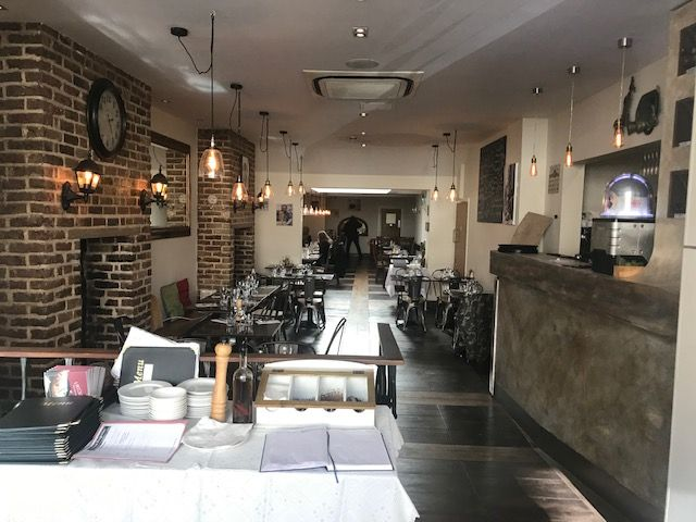 London Properties are pleased to offer to the market this Italian restaurant and pizzeria well established, its quality food and customer service