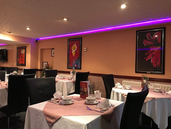 London Properties are pleased to offer to the market this well-established Cantonese restaurant situated just off Market Place - Castle Hill -Richmond - North Yorkshire