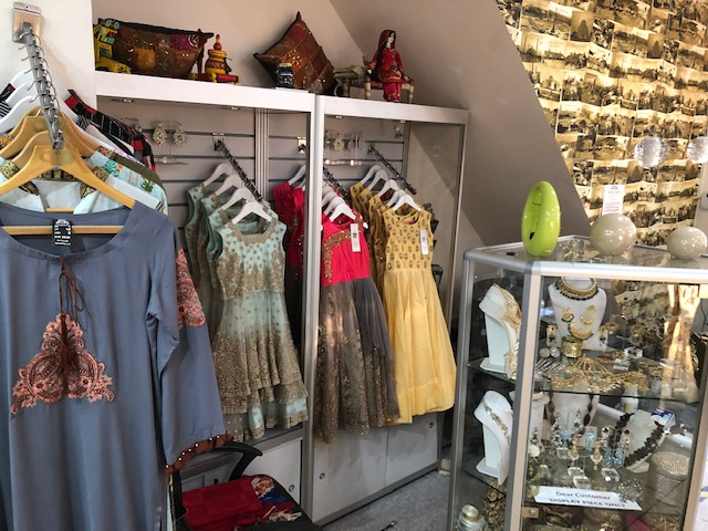 London Properties are pleased to offer to the market this A1/A2 shop unit currently trading as a Asian Fashion Clothes shop