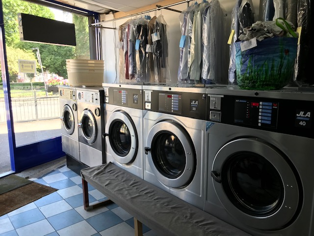 London Properties are pleased to offer to the market well established Dry Cleaners & Launderette situated on the busy High Road in the very heart of Harrow Weald