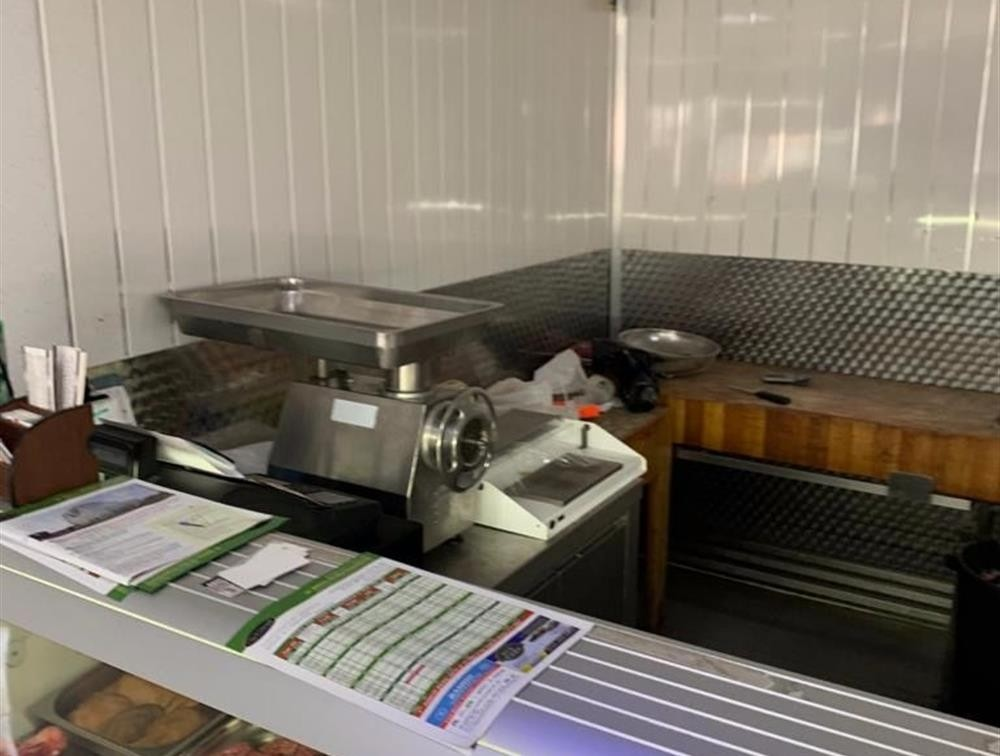London Properties are pleased to offer to the market this well established Halal butchers situated Stratford Road, Sparkhill Birmingham, in West Midlands.